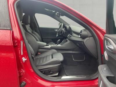Alfa Romeo Giulia Veloce 2,0 T 280HP AT8 Q4